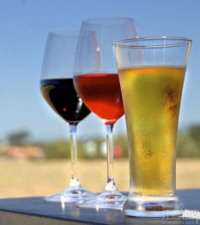01-beer-wine-140911
